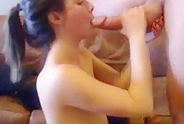 Türk liseli kız sakso pornosu