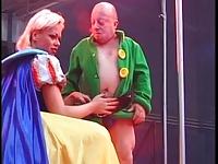 sarışın cüce sex pornosu izle