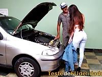 arabası için tamirciye veriyor Hd