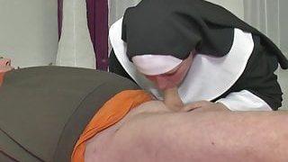 Alman rahibe ateşli sikiş pornosu