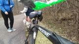 Bisiklet Süremeyi Ögrenmek İçin Sikişiyor