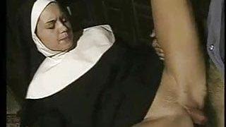 ful rahibe pornosu izle